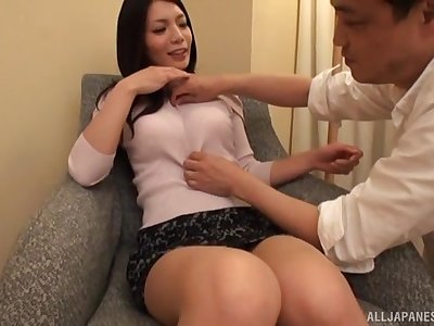 Beautiful Japanese main Yuuki Hodaka gives an amazing blowjob