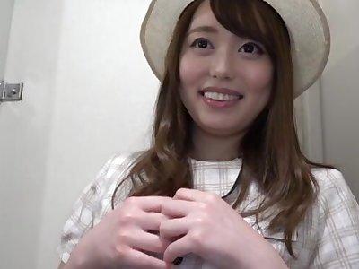 Amateur Japanese main Amane Shizuka drops on her knees to give head