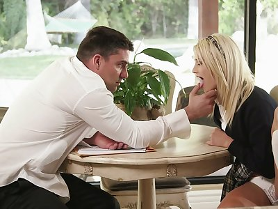 Blonde Aubrey Gold gets will not hear of trimmed pussy pounded by an unlikely source