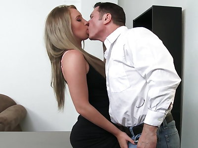Sexy employee Harley Jade courage do anything for raise