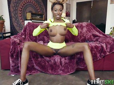 Ebony babe shares tasty dong with ginger slut