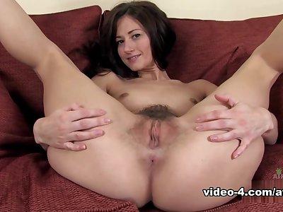 Amazing pornstar in Fabulous Solo Girl, Hairy porn movie