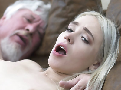 College pupil has sex with an ugly elderly fuck be in charge hard