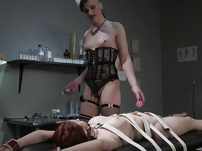 Lusty Caucasian MILF Violet Monroe is on the qui vive for BDSM with slutty Tgirl