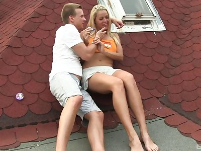 Blonde babe in arms Christen teases to will not hear of pussy and gets fucked in outdoors